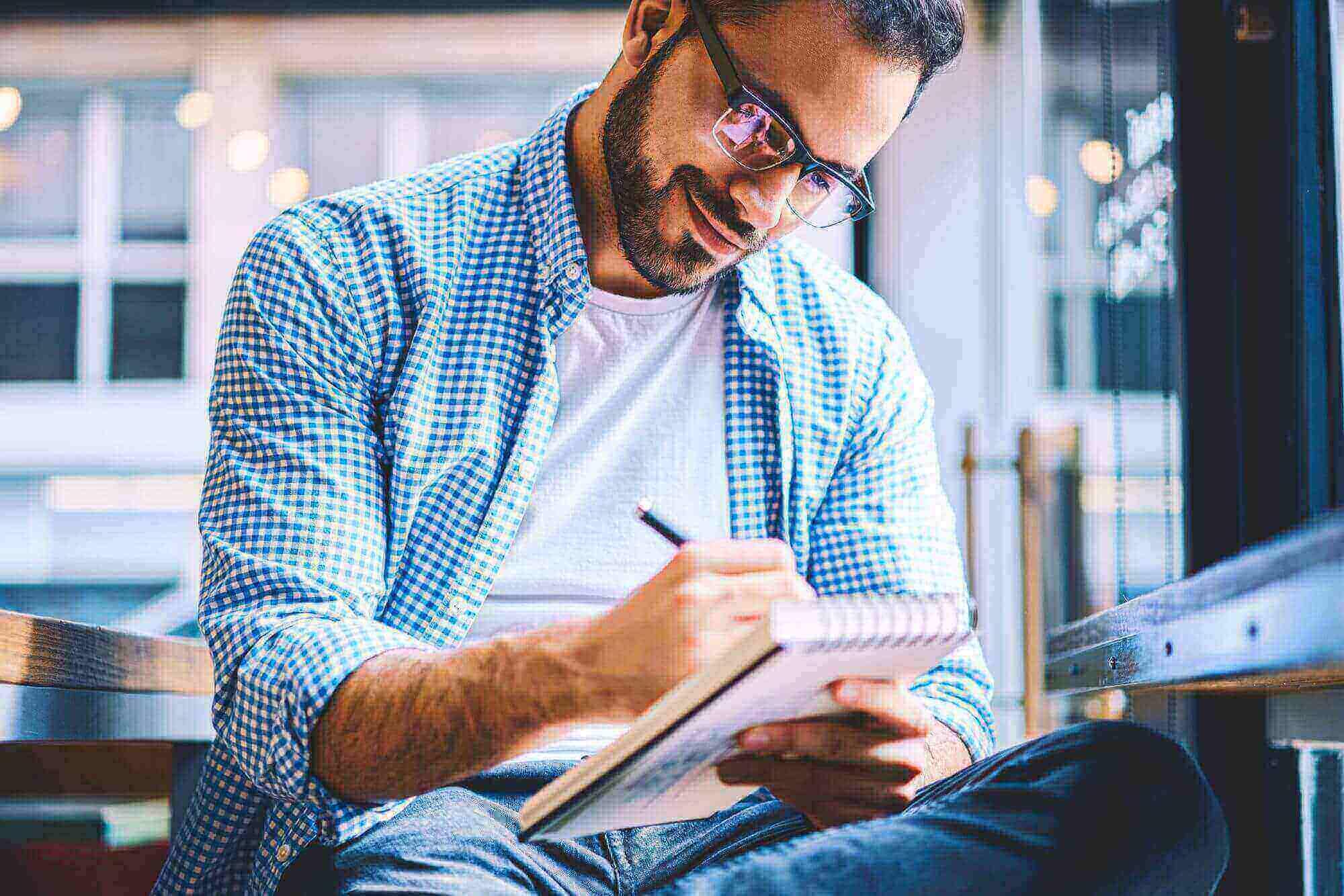 Descubra como se concentrar para estudar e evitar distrações